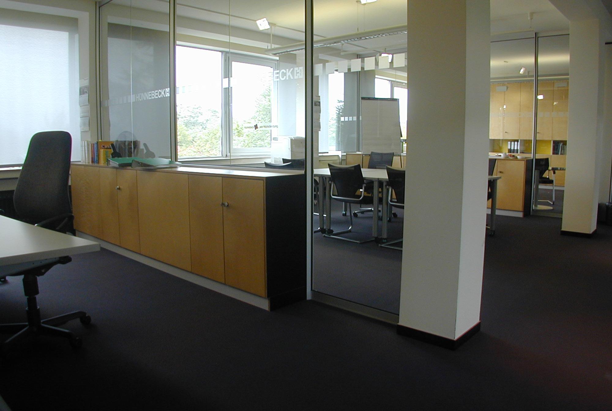 3_Büroeinrichtung