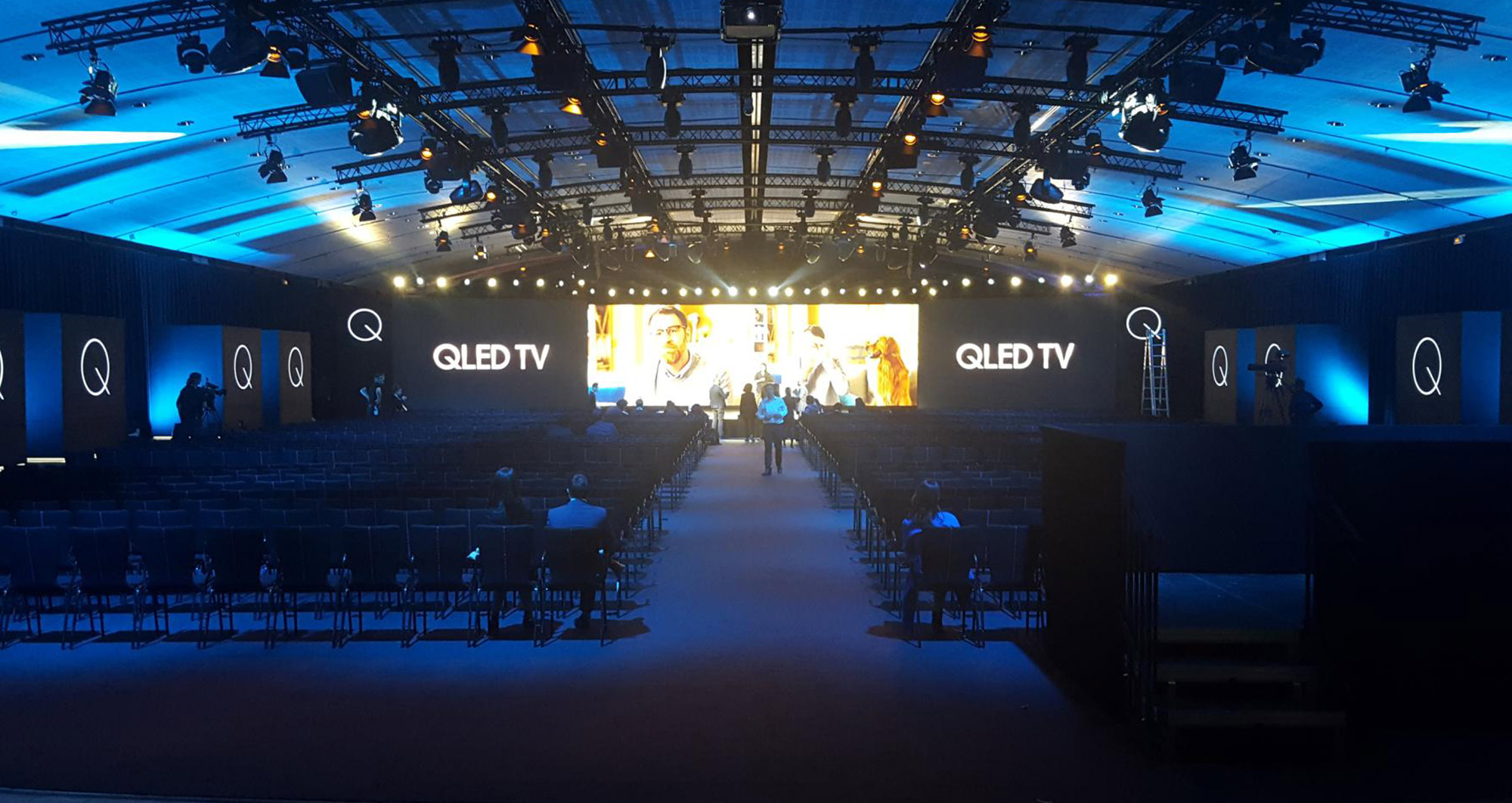 Samsung-Q-LED02
