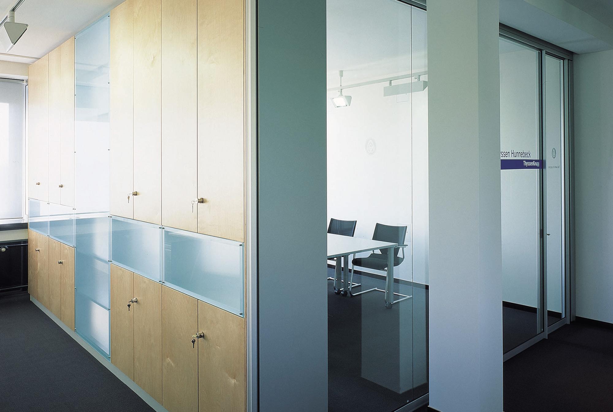 1_Büroeinrichtung