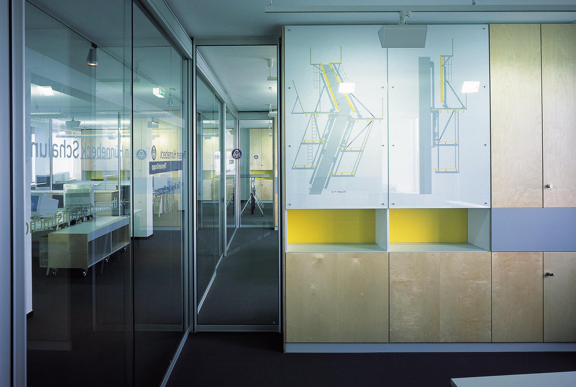 2_Büroeinrichtung